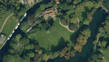 UK waterside home for sale: Sonning Eye, River Thames, Oxfordshire -